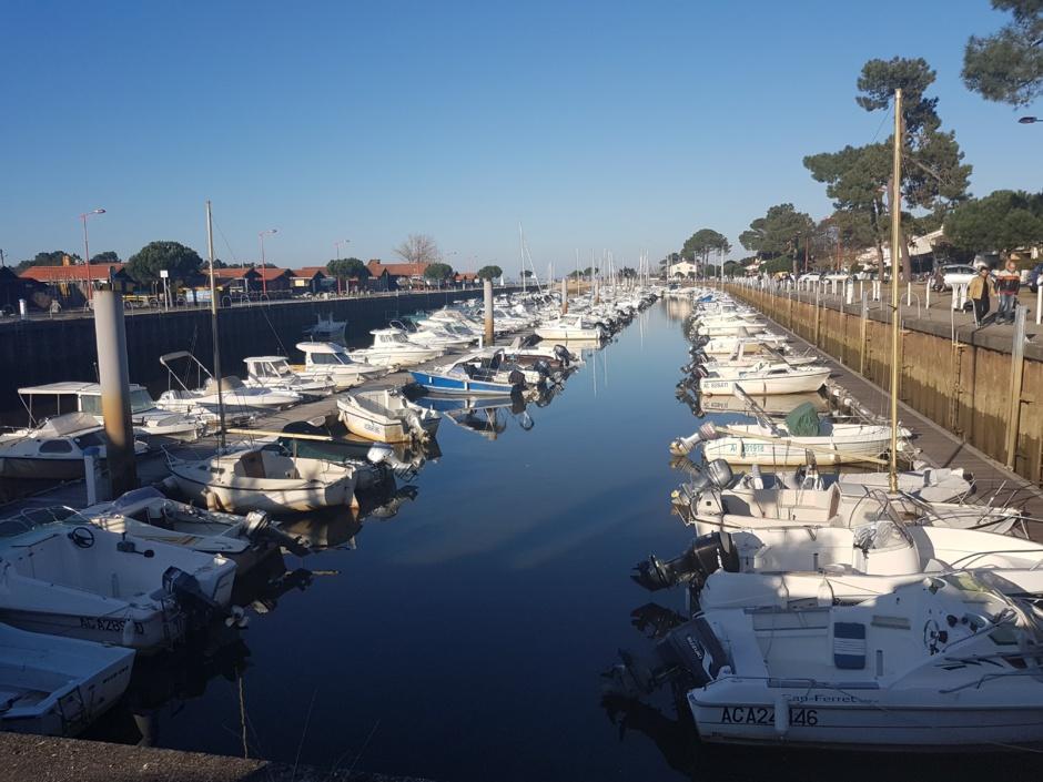 Port de Gujan Mestras