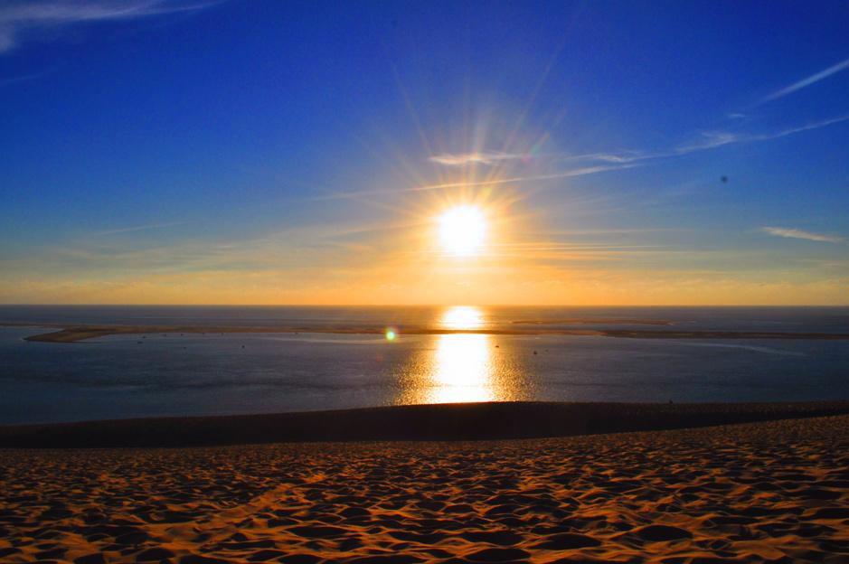 Coucher de soleil depuis la dune lumineux
