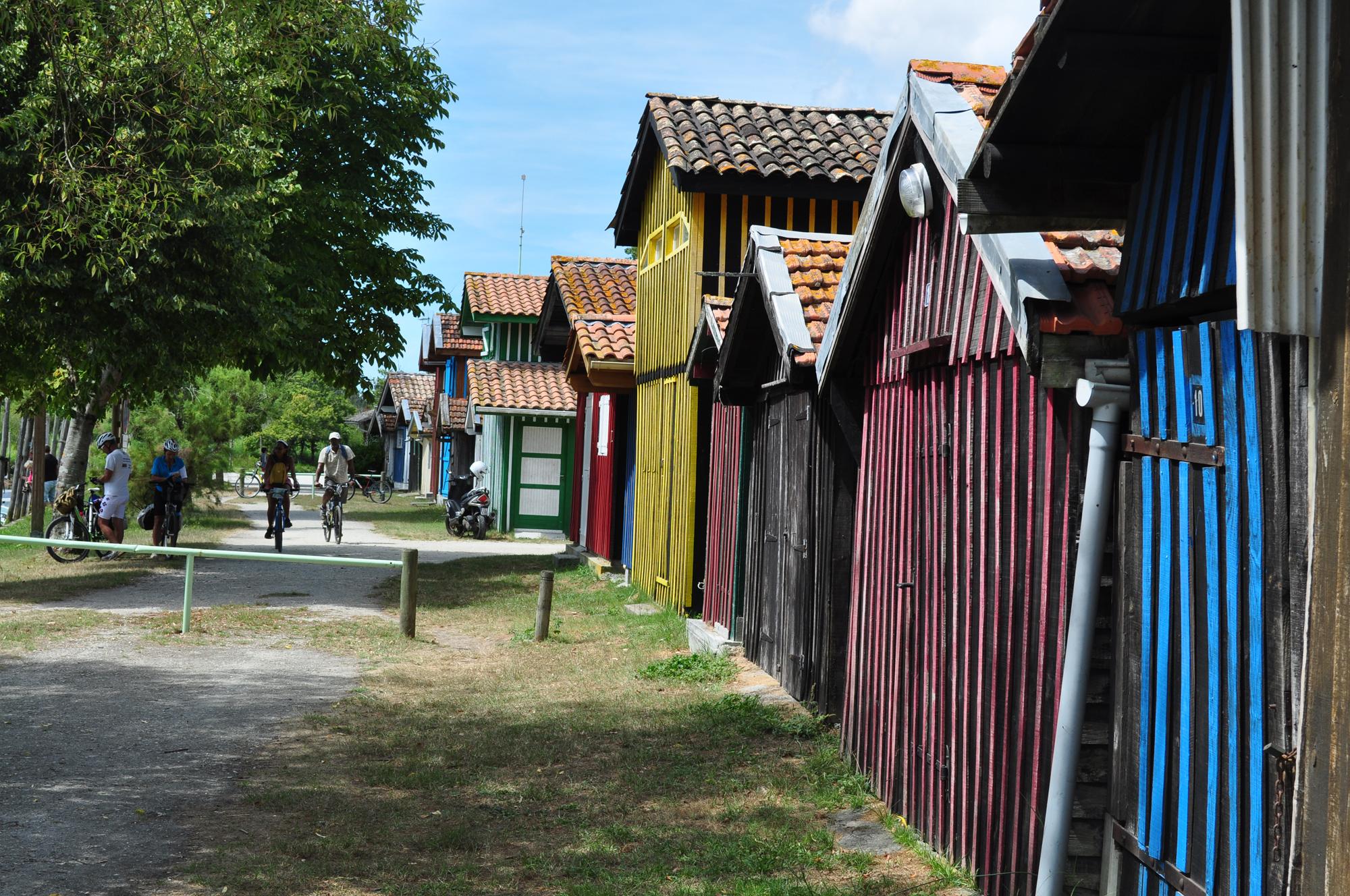 Cabanes colorées du port de Biganos