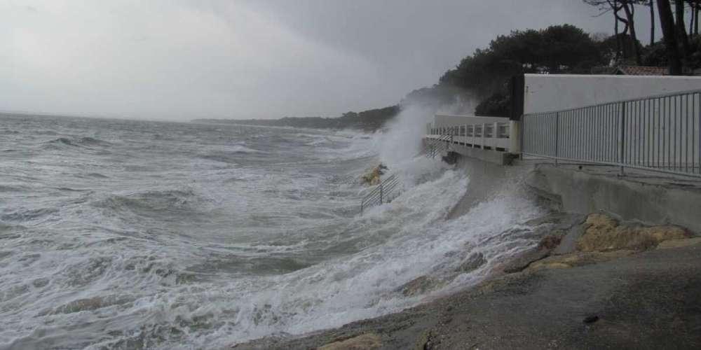 La tempête à la corniche au Pyla image PATSOURIS DAVID