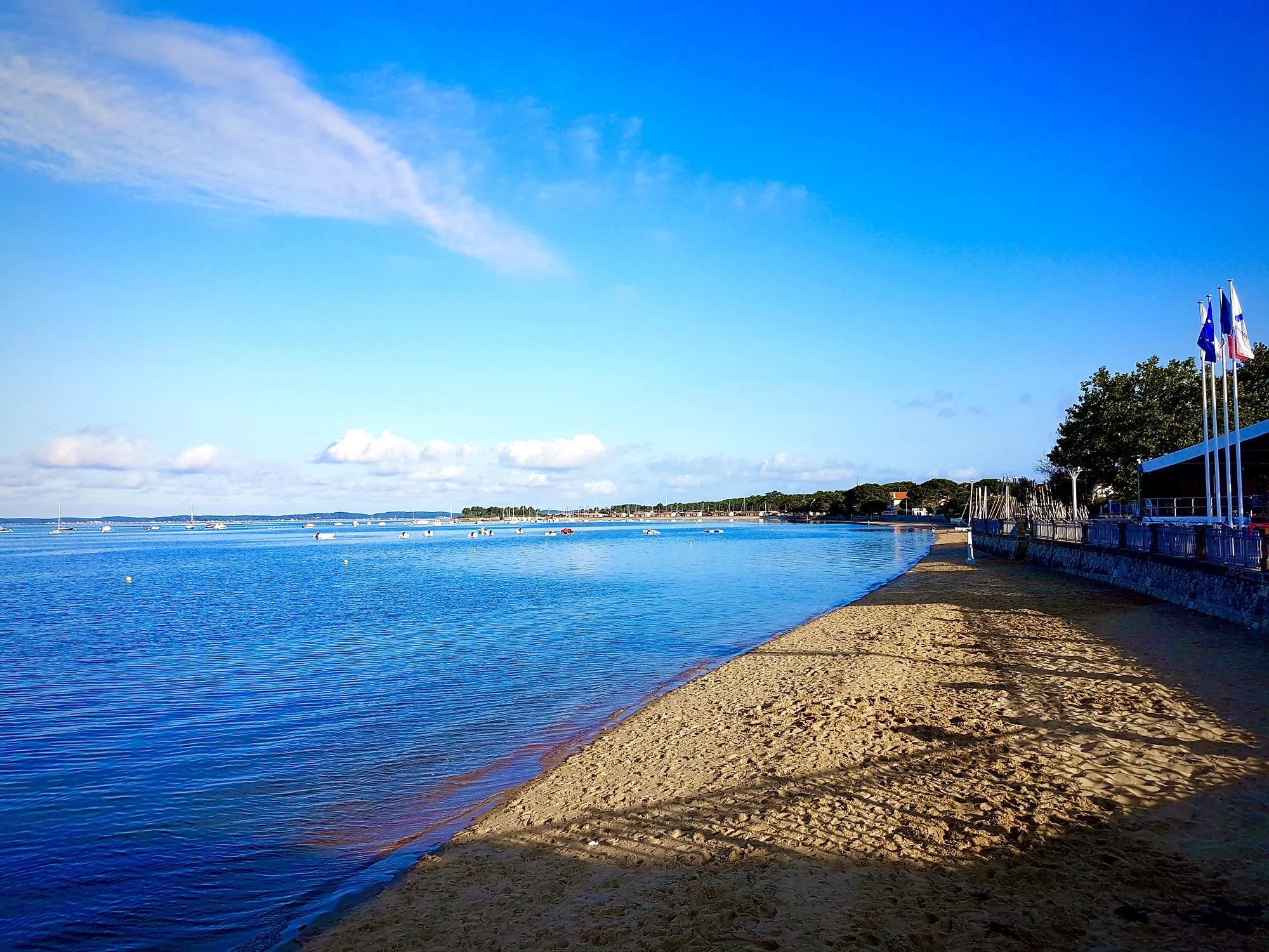 Andernos Les Bains à la plage le matin