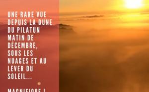 Splendide vue depuis la Dune du Pilat au lever du soleil