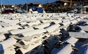 Qu'est ce que les tuiles blanches dans les ports du Bassin d' Arcachon