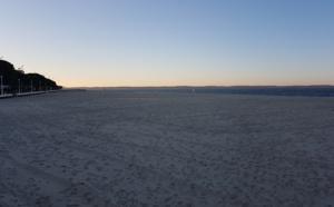 la plage d' Arcachon au coucher de soleil