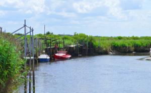 Près du port aux Tuiles de Biganos