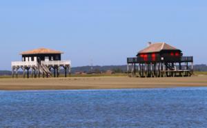 Les cabanes Tchanquées, emblèmes du Bassin d' Arcachon